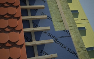 Paropropustna folija za strehe – sekundarna kritina